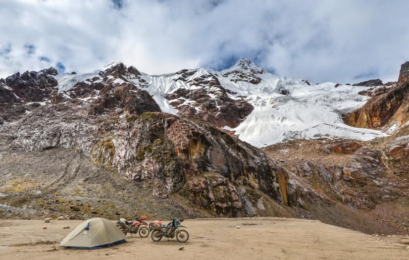 Un lugar para acampar formidable a 4,750 msnm cerca al paso Punta Olimpica.