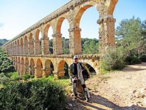 ACUEDUCTO DEL DIABLO.El acueducto de Les Ferreres, también llamado puente del Diablo, formaba parte de la red de canalizaciones que conducían las aguas del Francolí hacia Tarraco