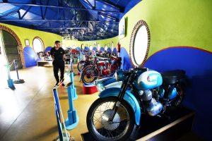 Vía de la Plata: Museo de la moto y el coche clásico,Hervás.