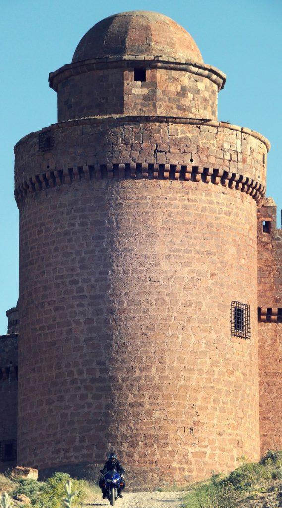 La Alpujarra en moto. Castillo de La Calahorra.