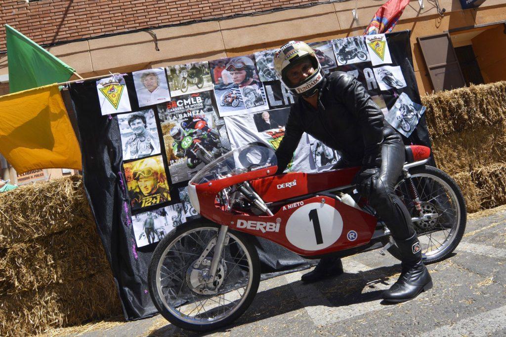Homenaje a Ángel Nieto en el 58º Gran Premio de Velocidad de La Bañeza.