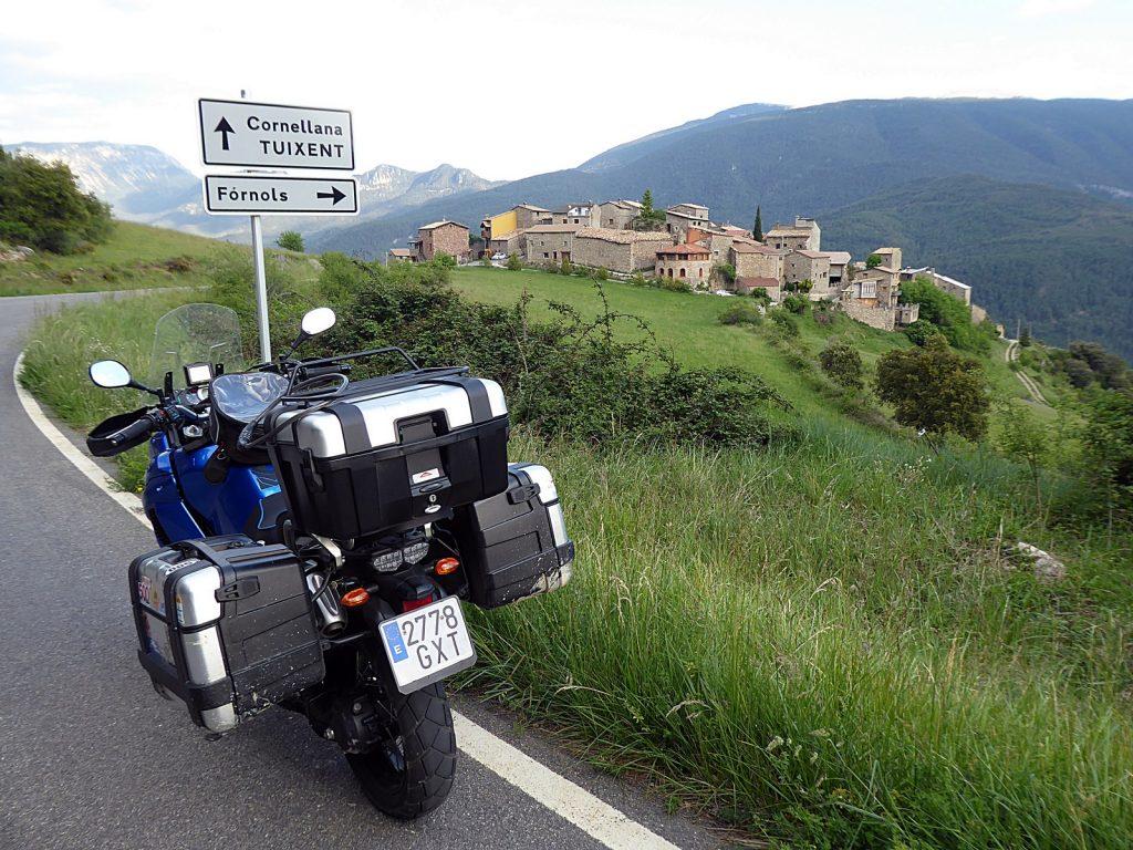 Ruta en moto por la Carretera del Cadí: Fòrnols