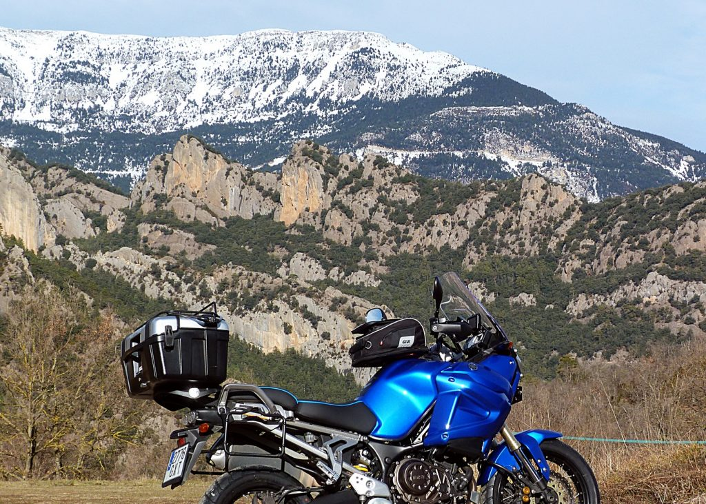 Ruta en moto por la Carretera del Cadí