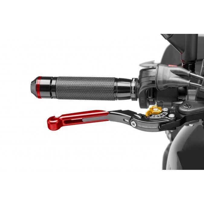 Contips: Conviene no olvidar que el sistema de frenos también requiere de un mantenimiento cuando tenemos la moto parada por un período de tiempo prolongado.