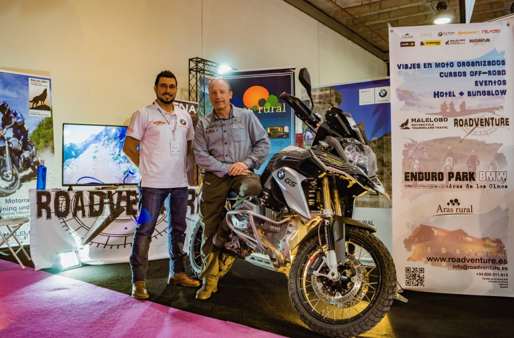 Kike Borrás, de Roadventure, y Víctor Tatay, propietario de Aras Rural.