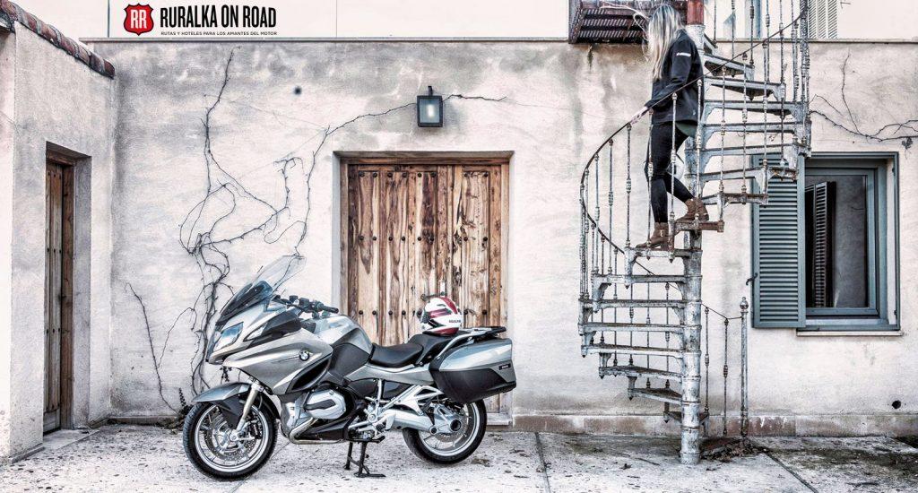 Próximas rutas y reportajes de la revista Motoviajeros llevarán el sello de Ruralka on Road.