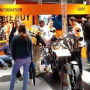 7.000 visitantes en la primera jornada de Vive la Moto