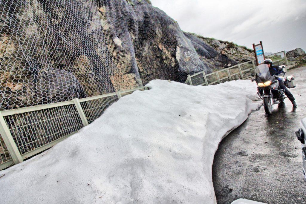 Nieve en las primeras rampas del Angliru.