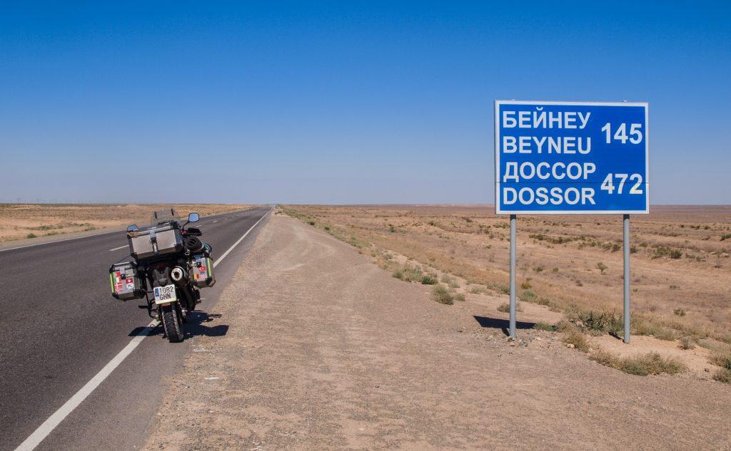 Soledad en mitad de la nada: en el corazón de la planicie de Kazajistán.