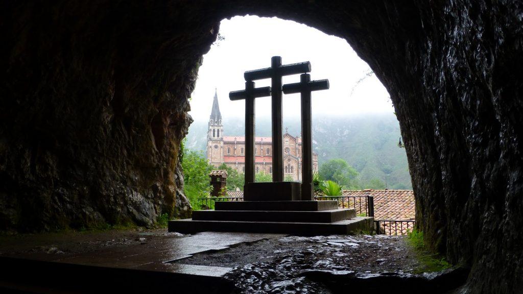 Interior de la Basílica de Covadonga // Foto: Constantino Suárez.