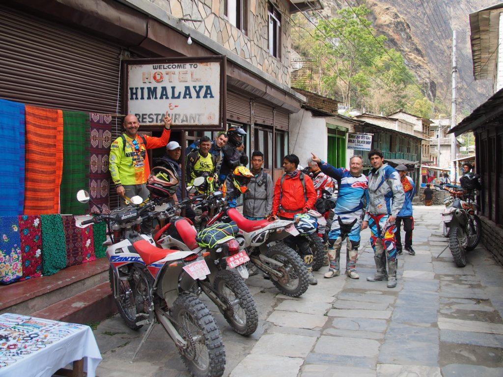 El equipo, en Nepal.