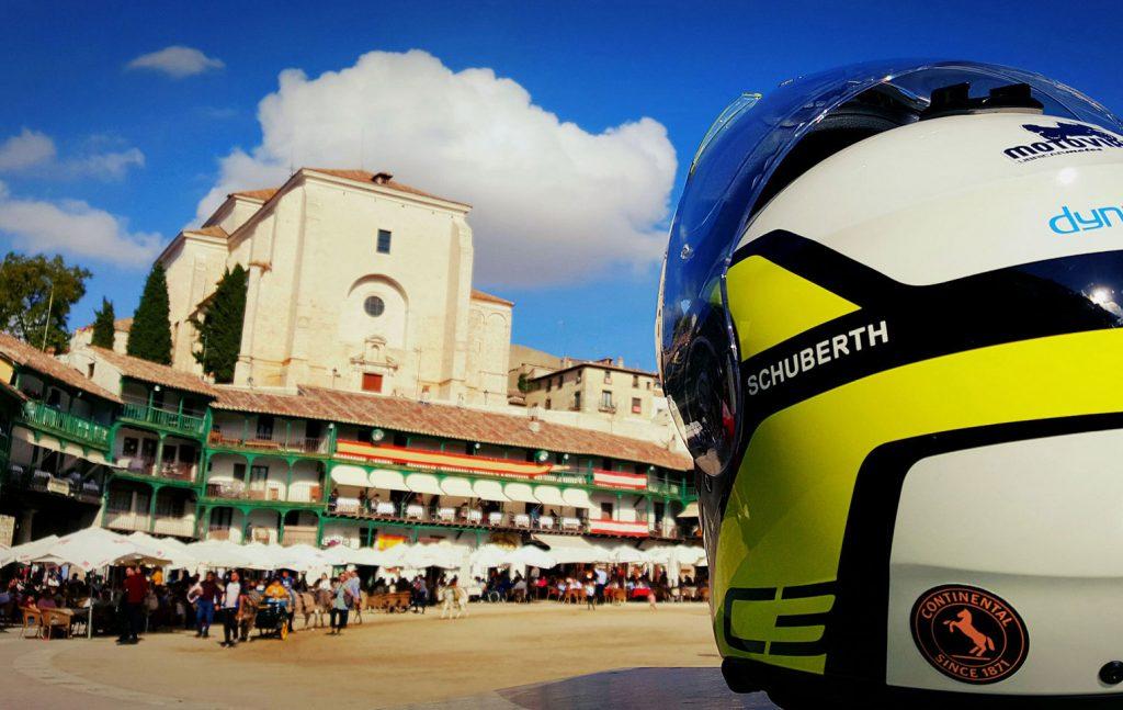 Un buen casco resulta esencial en el equipamiento del motorista.