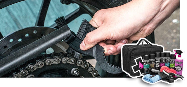Muc-Off kit para limpieza de moto.