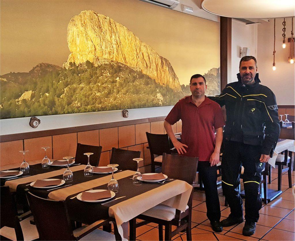 En la Posada Peñarrubia, con Víctor Manuel Martínez