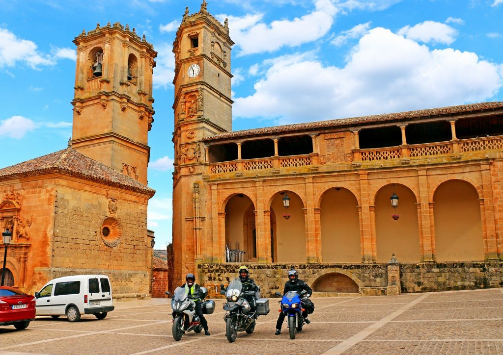 Las torres de la Trinidad y del Tardón, imagen de Alcaraz.