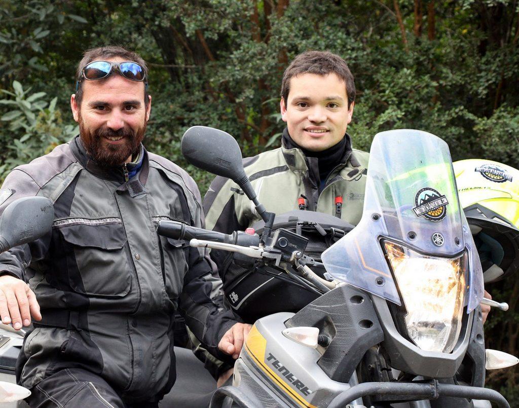 Wilfredo Yaconis y Francisco Cortés, de MotoRentAdventure.