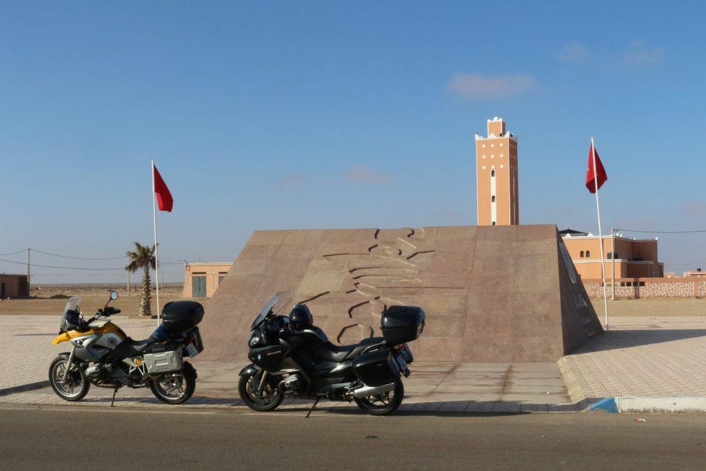 En moto por el norte de África.