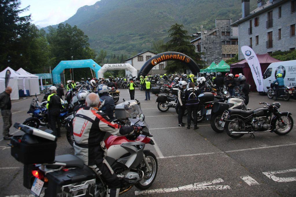 Numerosos aficionados se dieron cita en el valle de Benasque.