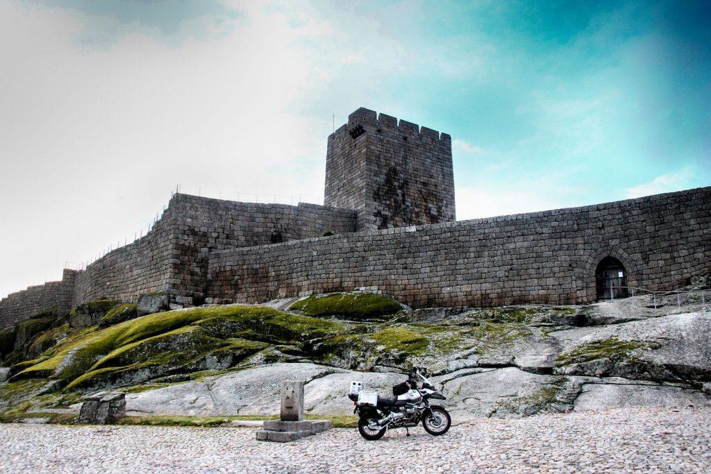 Los castillos son una constante en las Aldeas Históricas: Linhares da Beira.