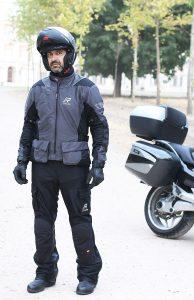 Conjunto de verano chaqueta y pantalón Rukka Airventur.