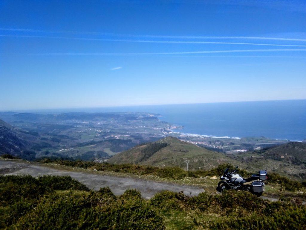 Asturias en moto: subiendo al Fito.