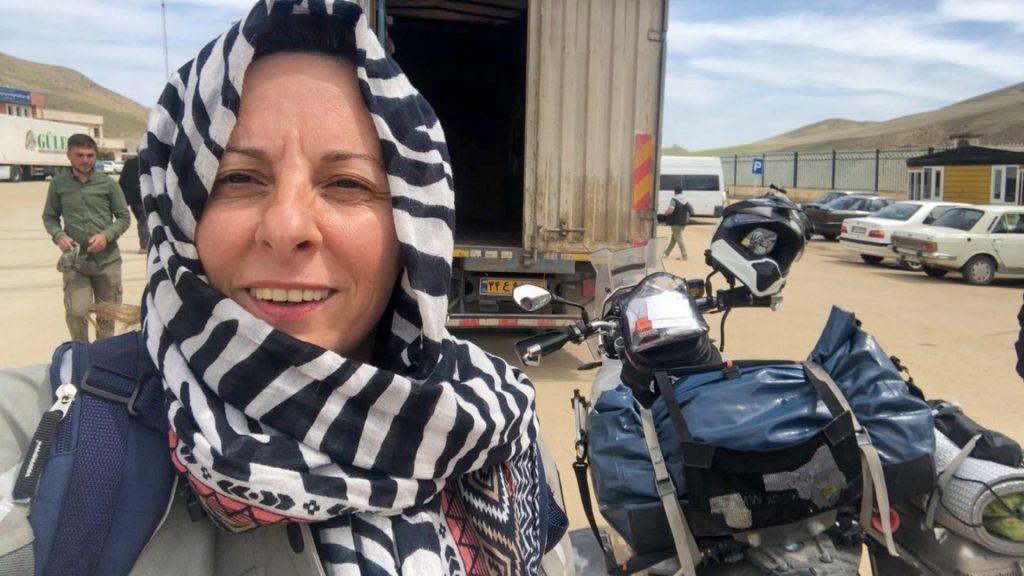 Con el camión para atravesar Irán.