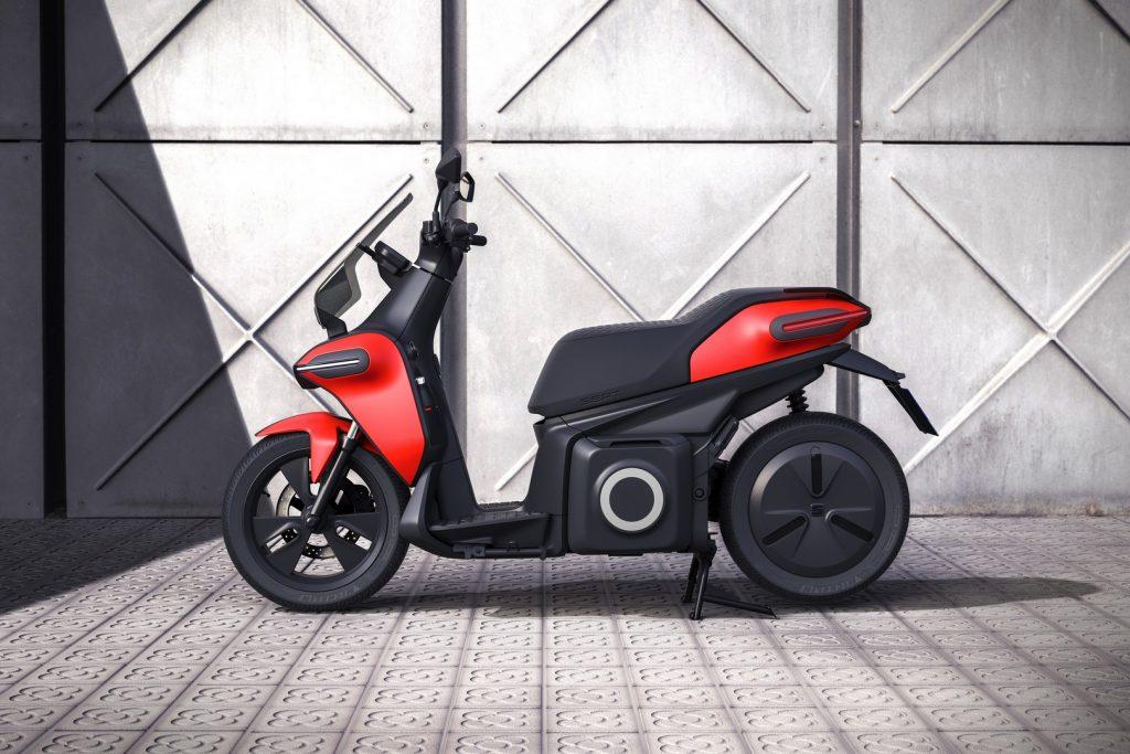 La e-scooter concept cuenta con una autonomía de 115 kilómetros.