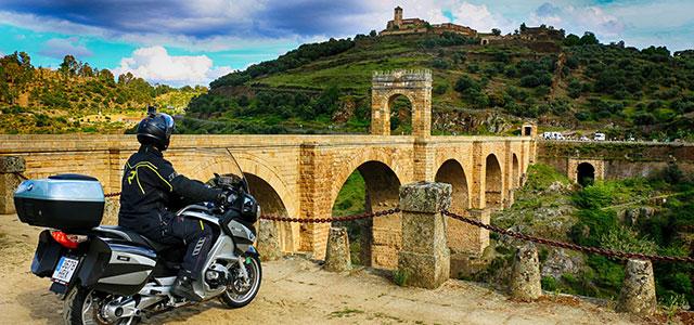 Tajo Internacional, un edén para la moto