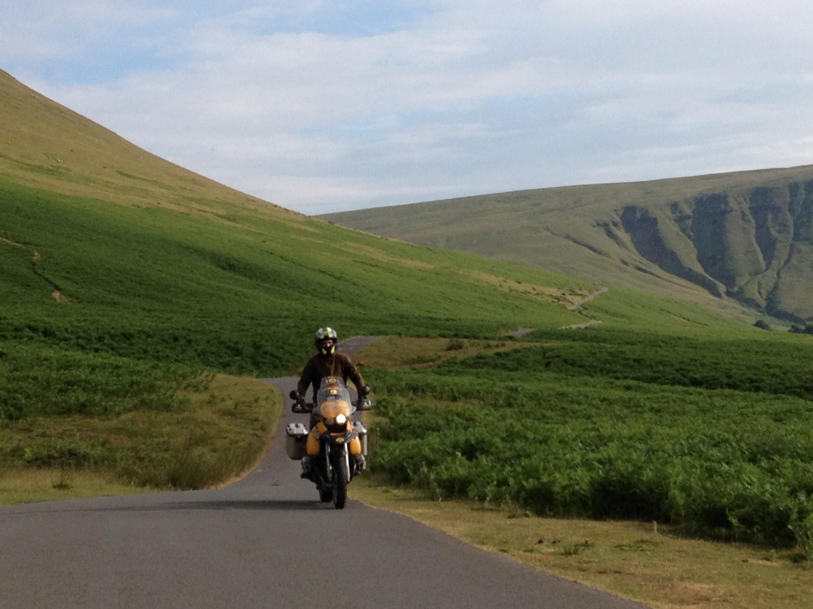Gales en moto: Golden Pass