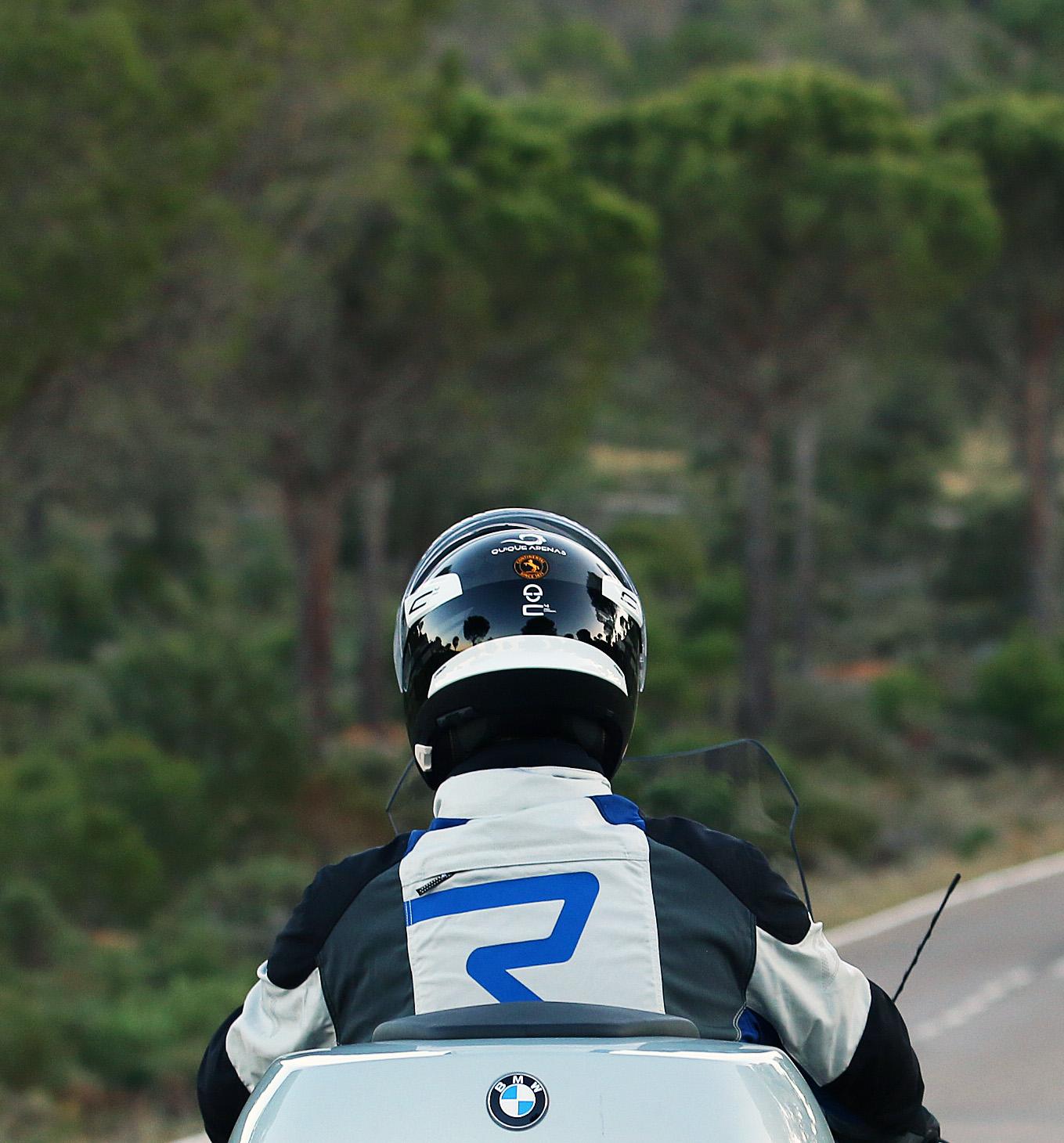 El C4 Pro Carbon es un casco extremadamente ligero.