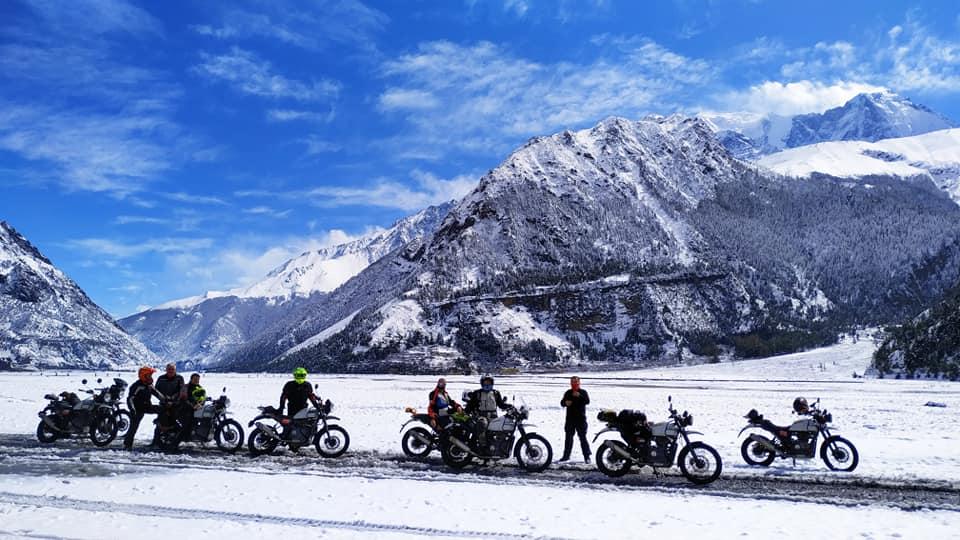 Una de las últimas fotografías publicadas por el propio motoviajero en sus redes sociales, durante el moto tour por Nepal.