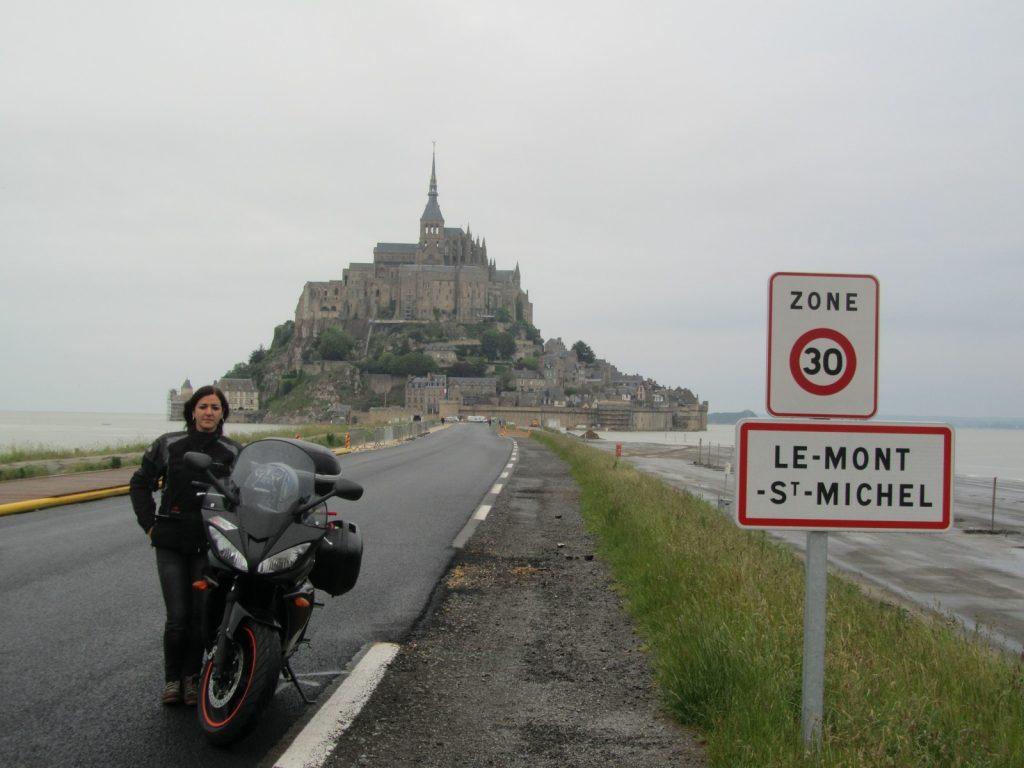 En el Monte St. Michel: Joana ha viajado por buena parte de Europa