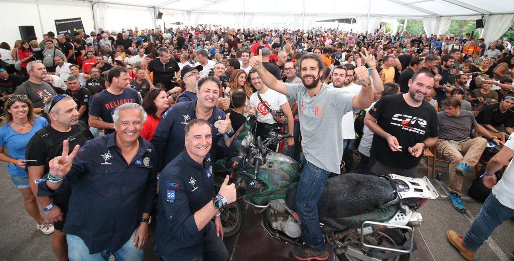 """Los embajadores de BMW Agustín Ostos (Soy Tribu) y KM Solidarity, en la edición 2019 de la """"Riders""""."""