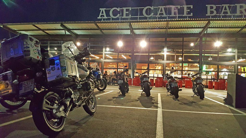 Parking del Ace Café Barcelona.