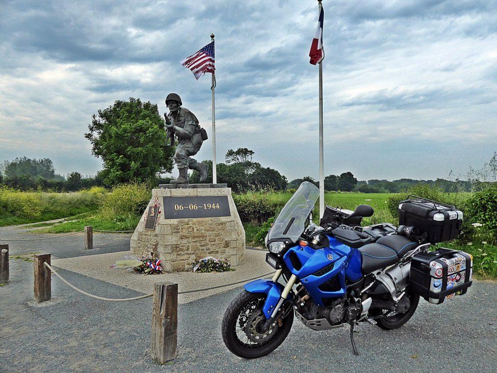 Normandía en moto: Día D