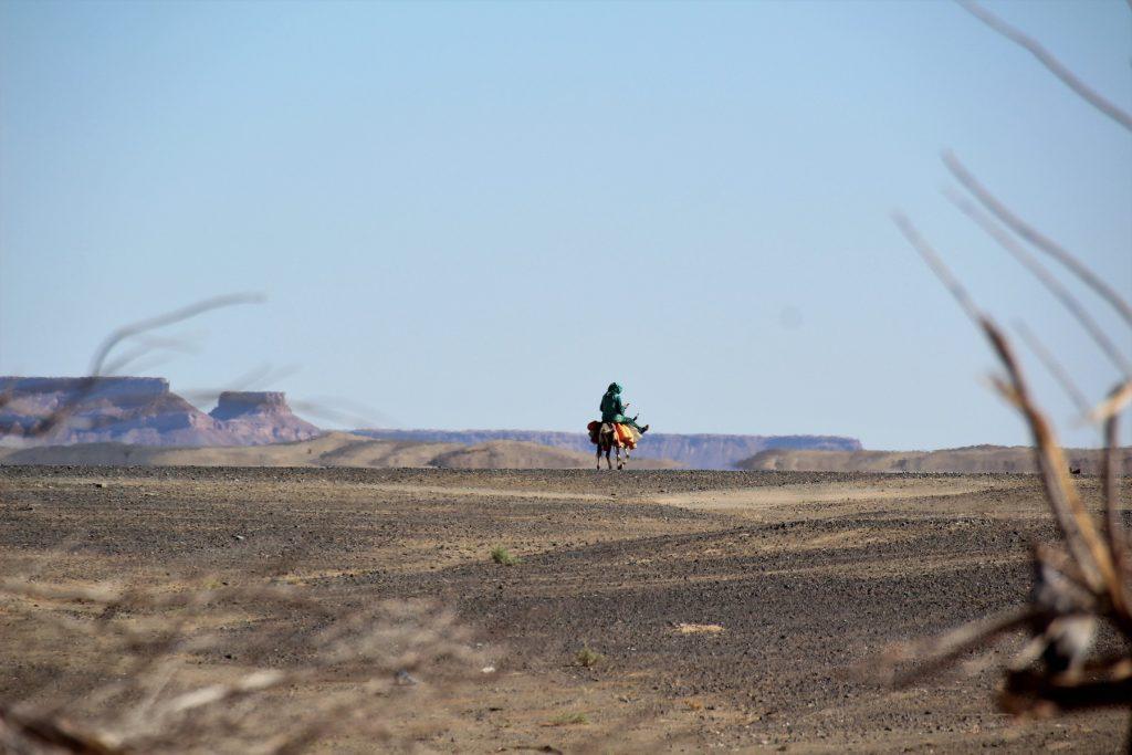 Una pared de montañas en este vasto territorio marca la frontera entre Marruecos y Argelia