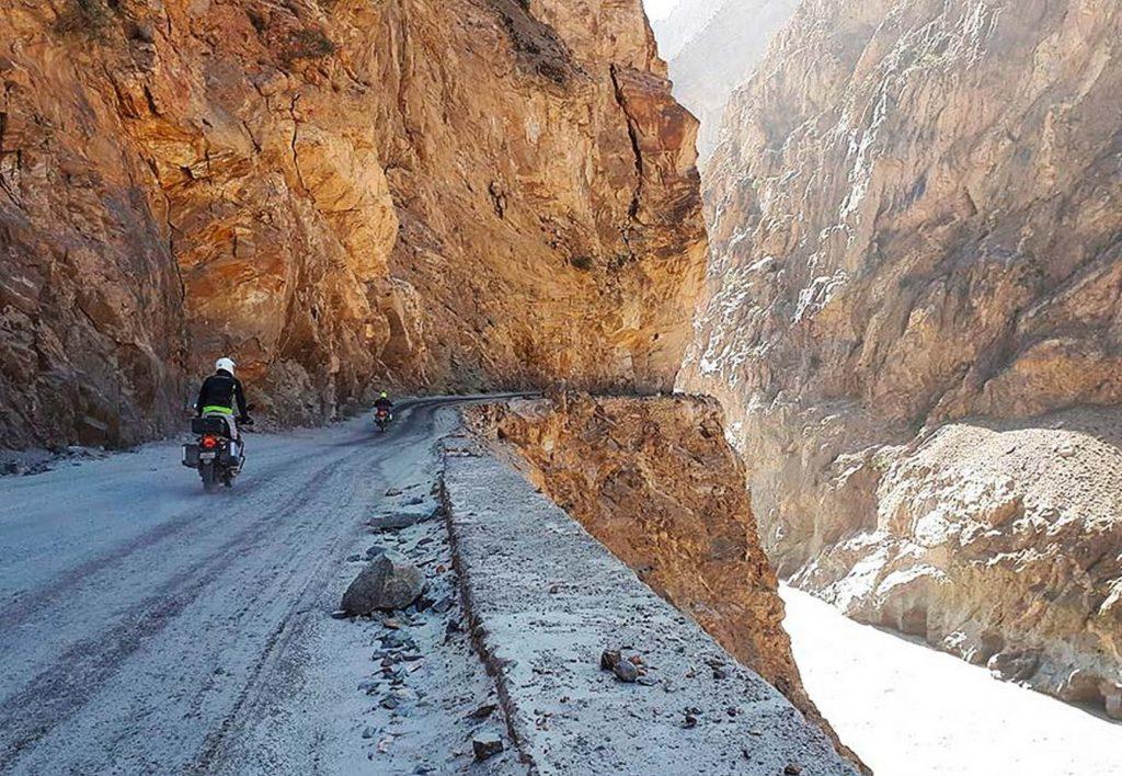 En ruta por los parajes más extremos de Asia Central.