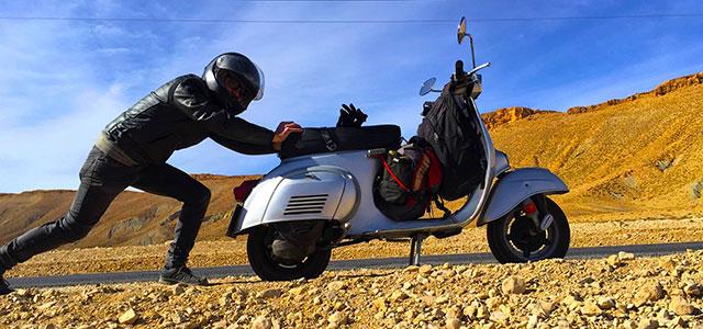 Rodando voy… ¡hasta el Sahara en Vespa!