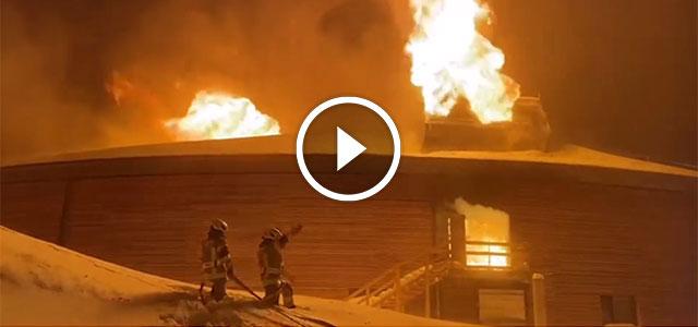 Un incendio destruye el TOP MOUNTAIN MOTORCYCLE MUSEUM