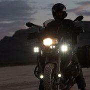 Equipa tu moto con BIHR: soportes, iluminación y limpieza