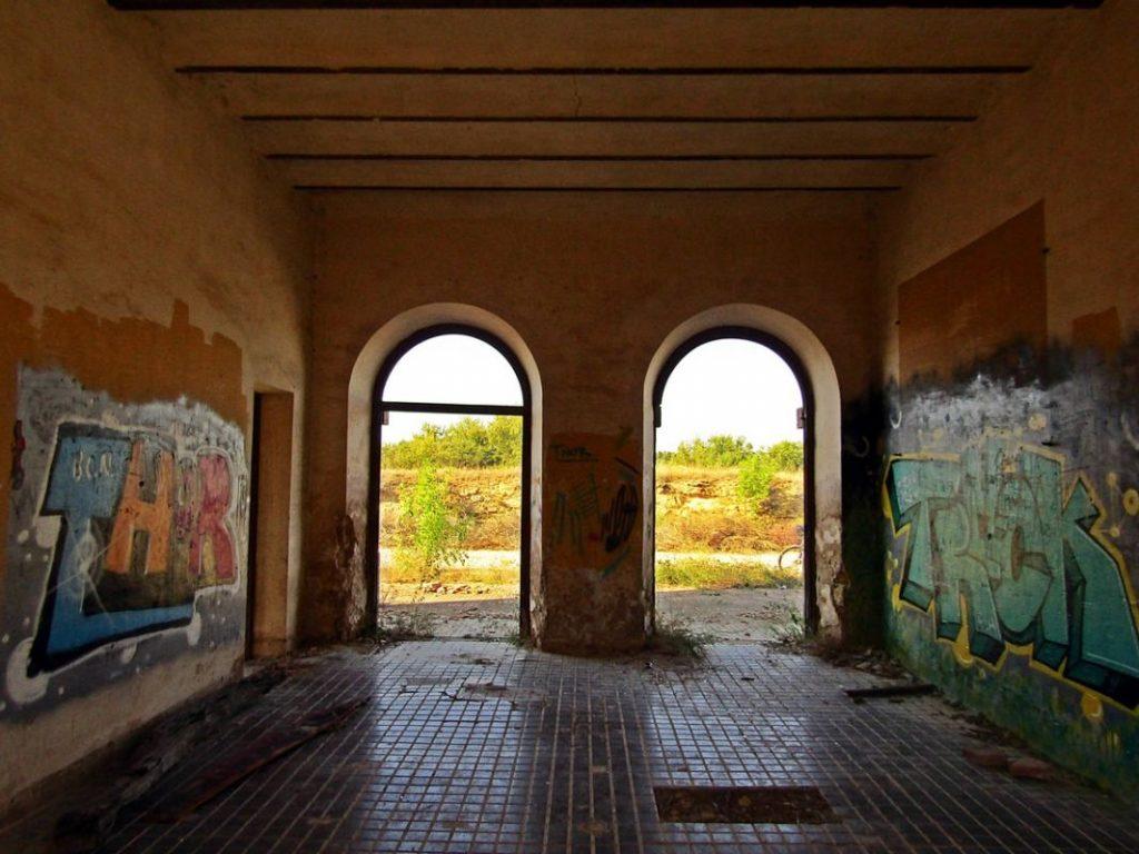 Estación abandonada de Torre del Compte
