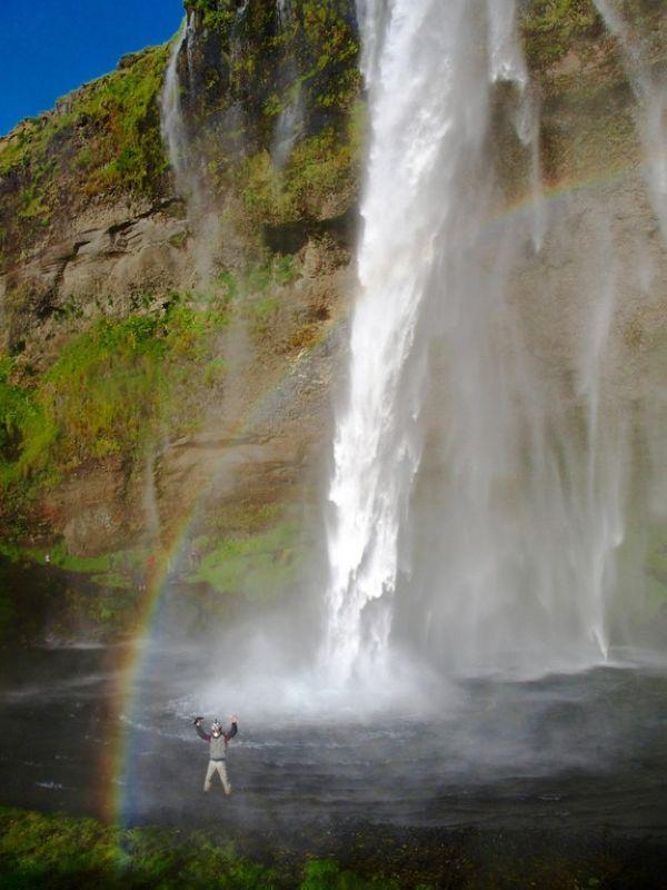 De nuevo nos mojamos un poquito para estar en la misma cascada Islandia