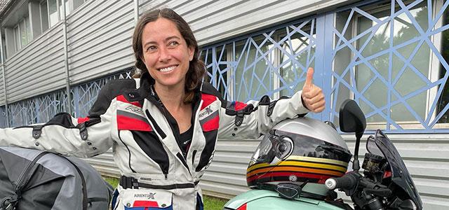 A Suiza en una moto eléctrica con Alicia Sornosa